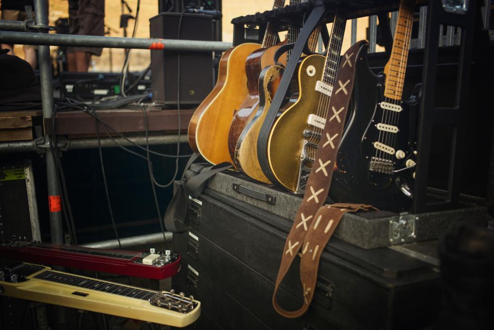 Pompeii 2016 guitars
